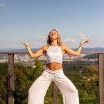 VSTANI in ZASIJ- jutranja joga