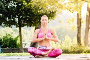 obnovitvena-joga-nina-vodeb